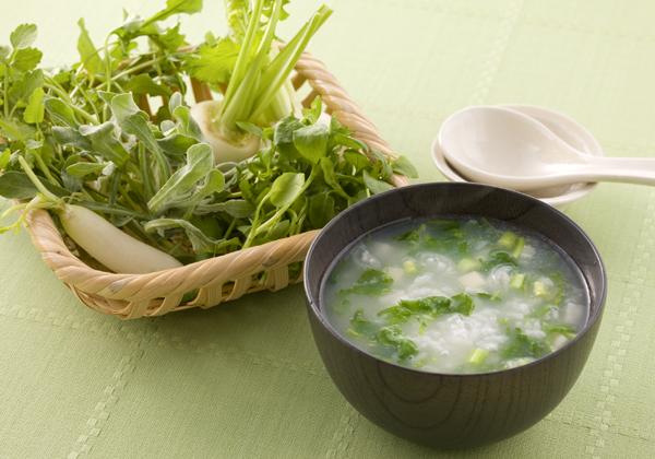 七草粥の人気レシピでお正月に疲れた胃を休めましょう!